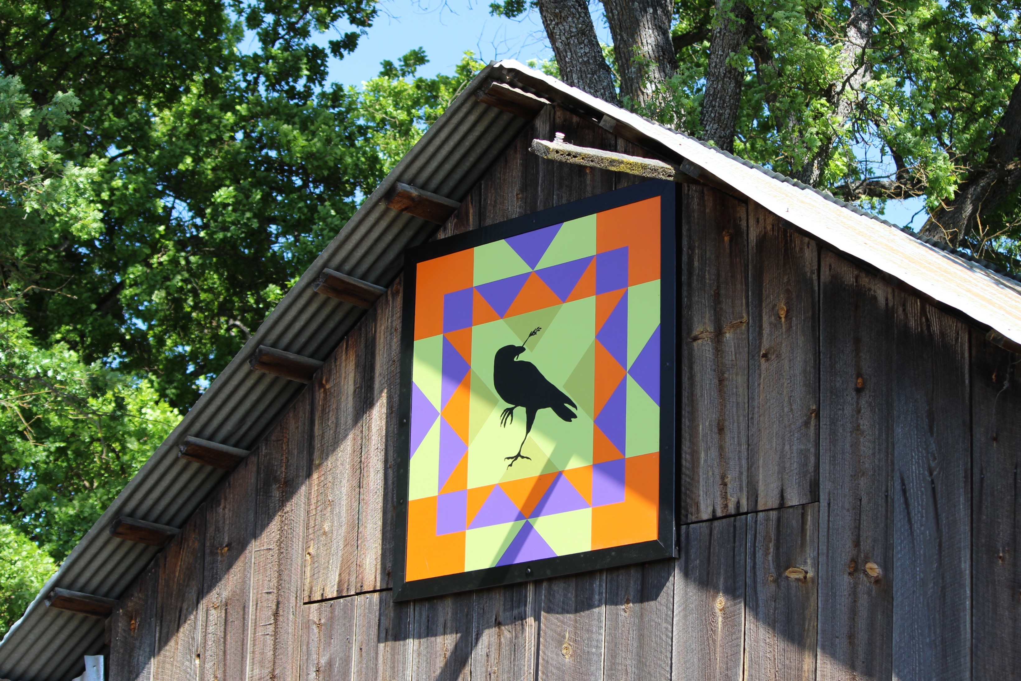 Quilt on barn side view